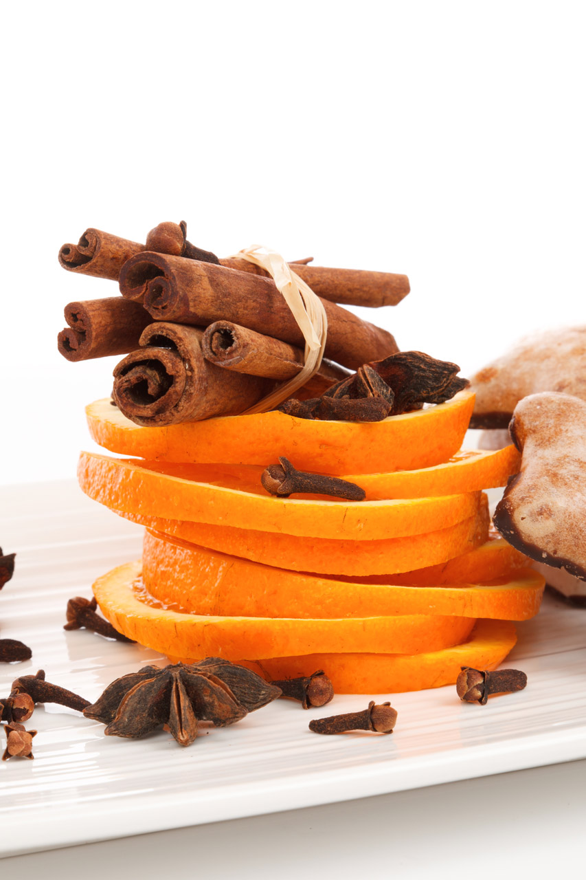 Рецепт апельсинового  ликера Блю Кюрасао на основе самогона в домашних условиях